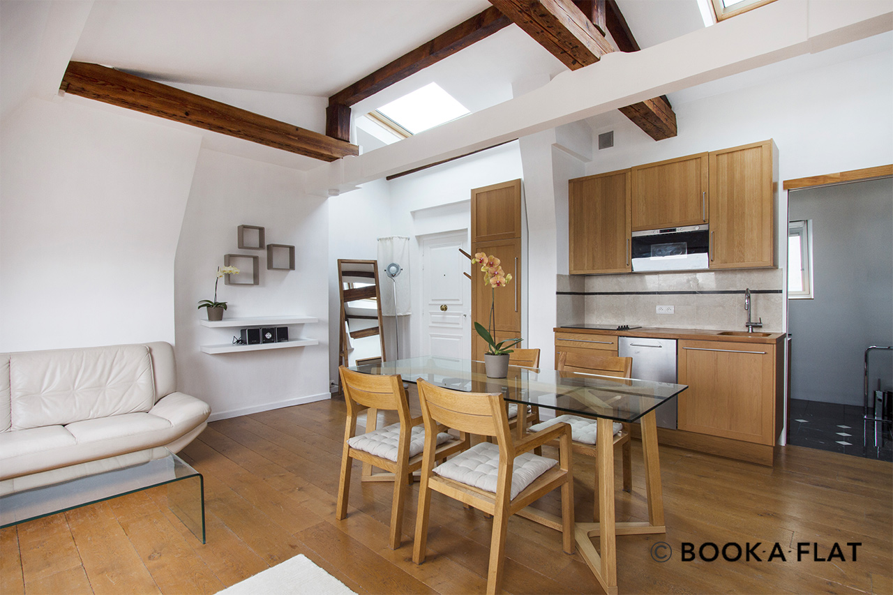 Paris Boulevard de Rochechouart Apartment for rent