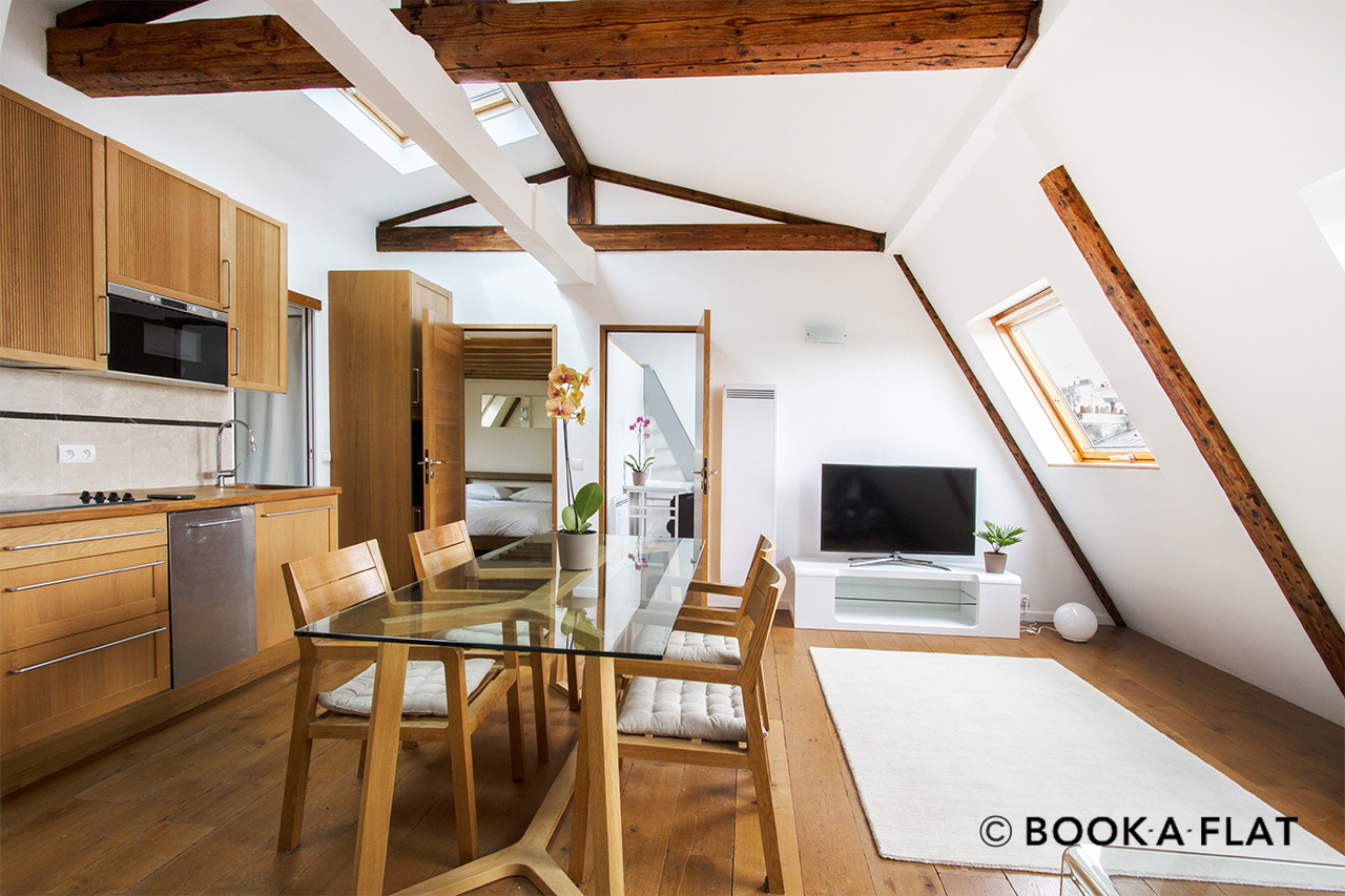 Apartment Paris Boulevard de Rochechouart 3