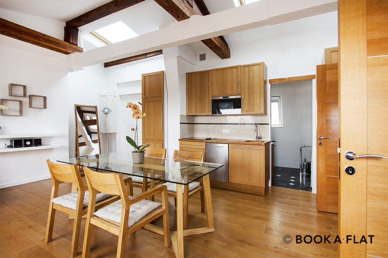 Apartment Paris Boulevard de Rochechouart 5