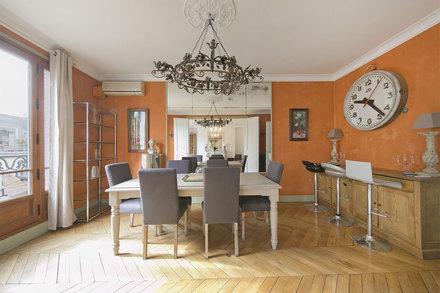 Location appartement meubl rue pierre demours paris for Appartement meuble paris long sejour