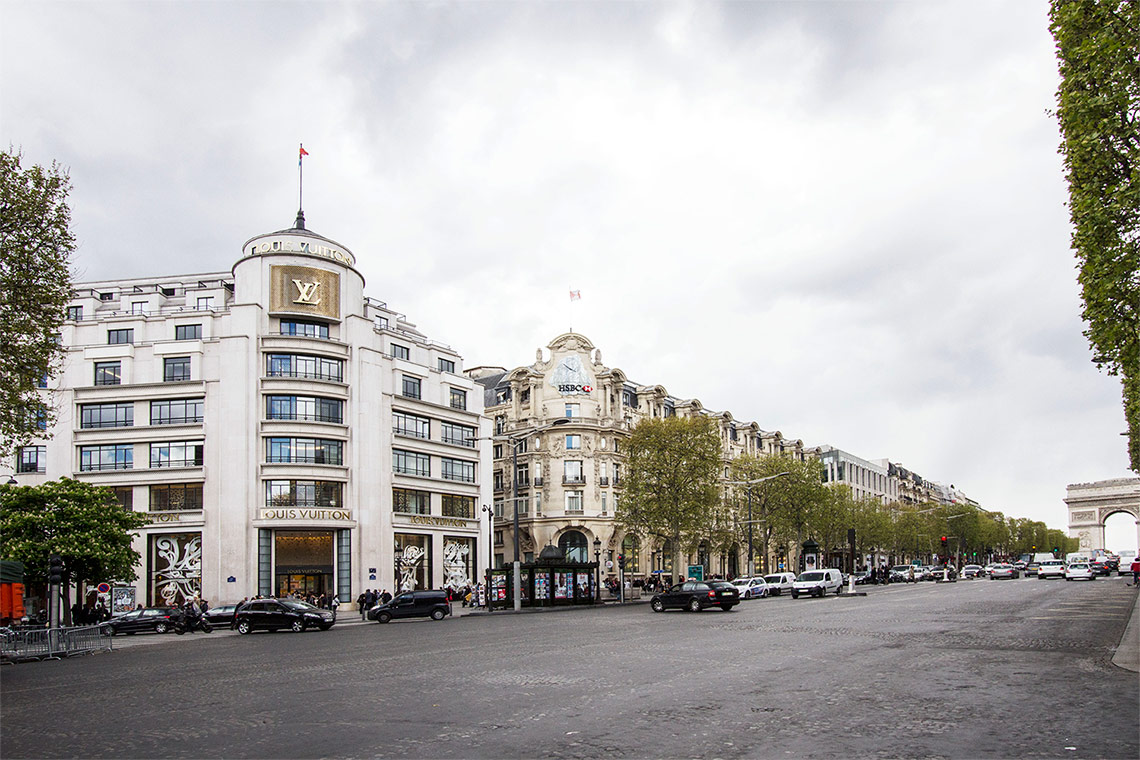 Apartment Paris Avenue Alphand 11
