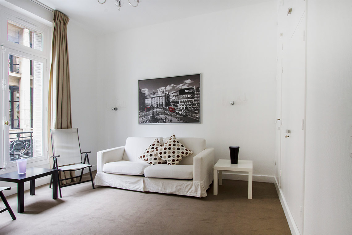 Apartment Paris Avenue Alphand 2