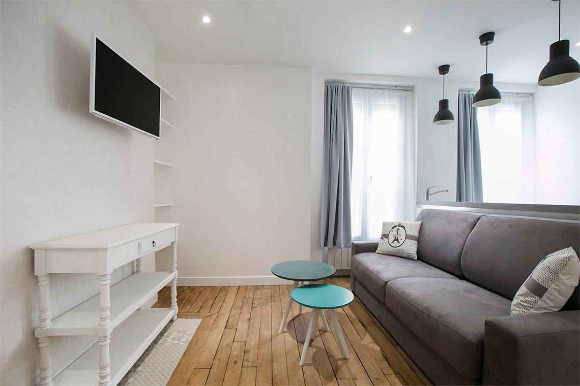 Studio For Rent Rue Cler  Paris