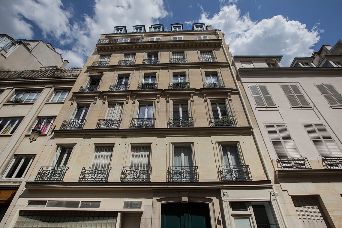 Apartment Paris Rue Rousselet 11