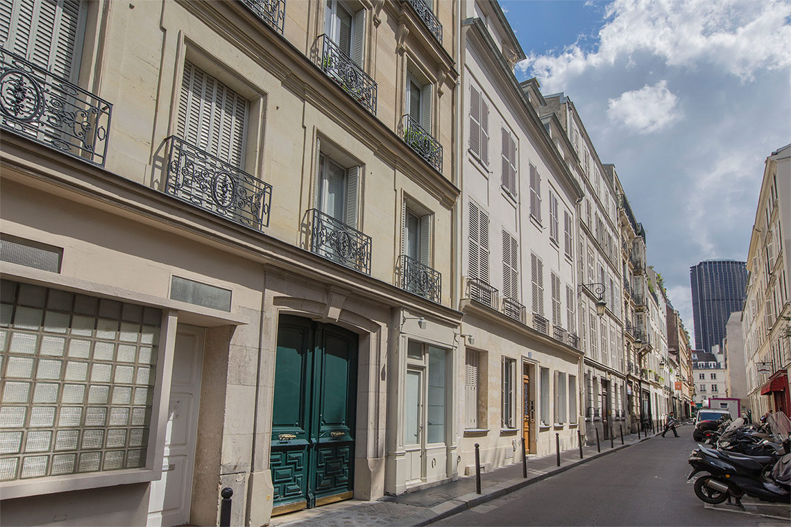 Apartment Paris Rue Rousselet 12