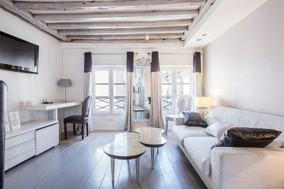 Apartment for rent Rue du Roi de Sicile, Paris   Ref 11492