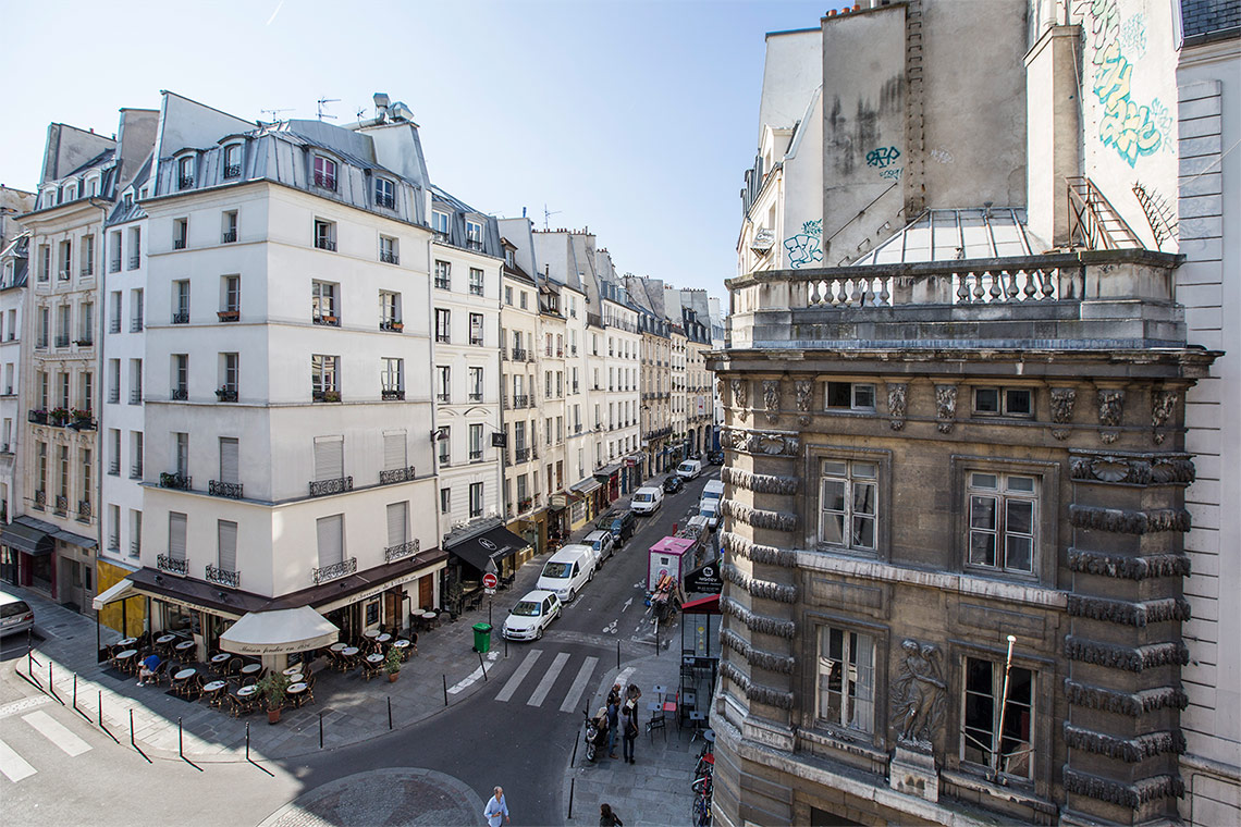 Apartment Paris Rue Sauval 12