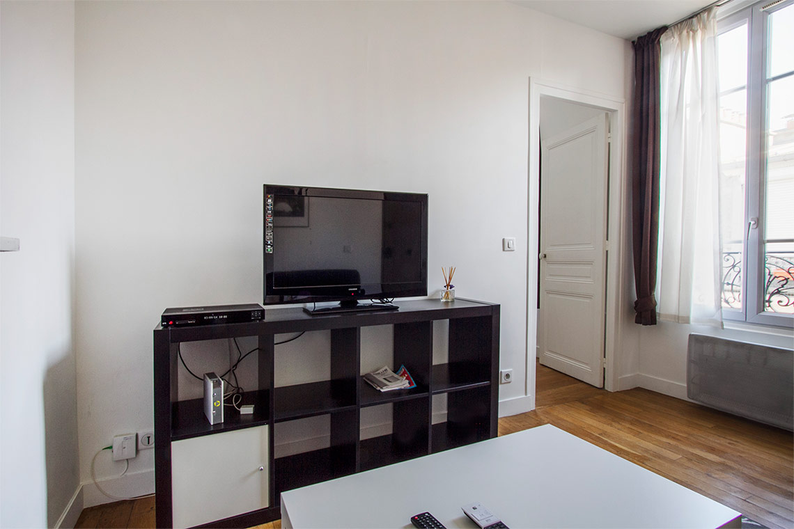 Apartment Paris Rue Saint Charles 11