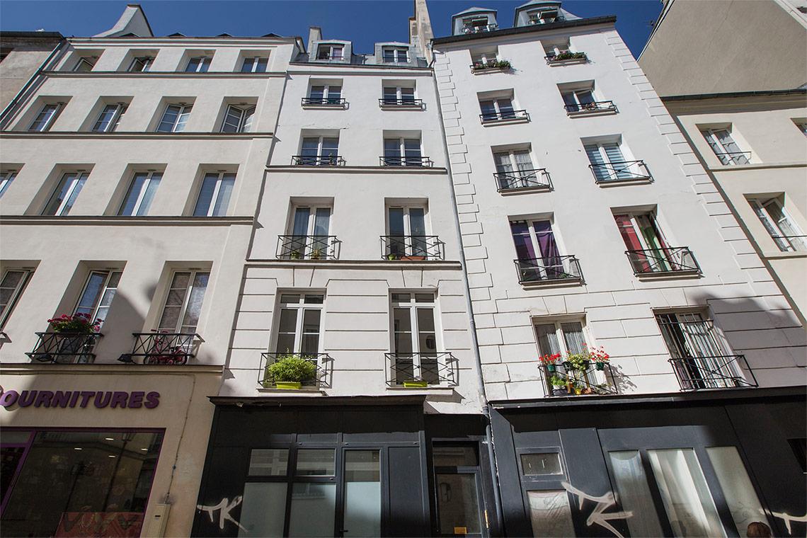 appartamento in affitto rue beauregard paris ref 11595. Black Bedroom Furniture Sets. Home Design Ideas