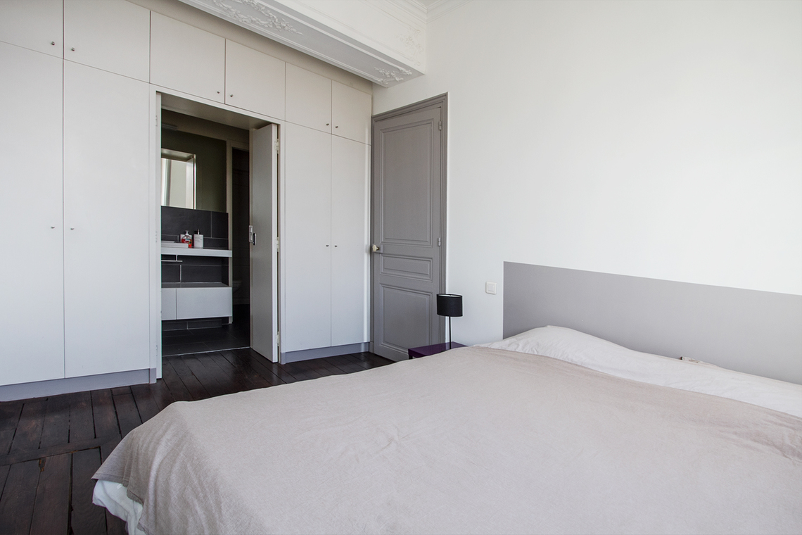 location appartement meubl quai des orf vres paris ref 11620. Black Bedroom Furniture Sets. Home Design Ideas