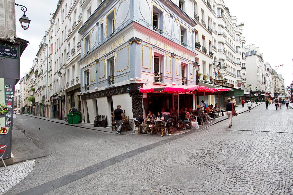 studio for rent rue montmartre paris ref 11657. Black Bedroom Furniture Sets. Home Design Ideas