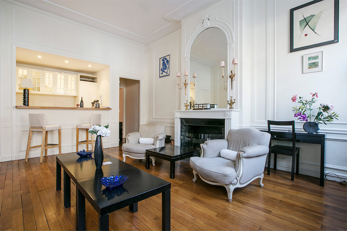 Apartment Paris Avenue George V 5