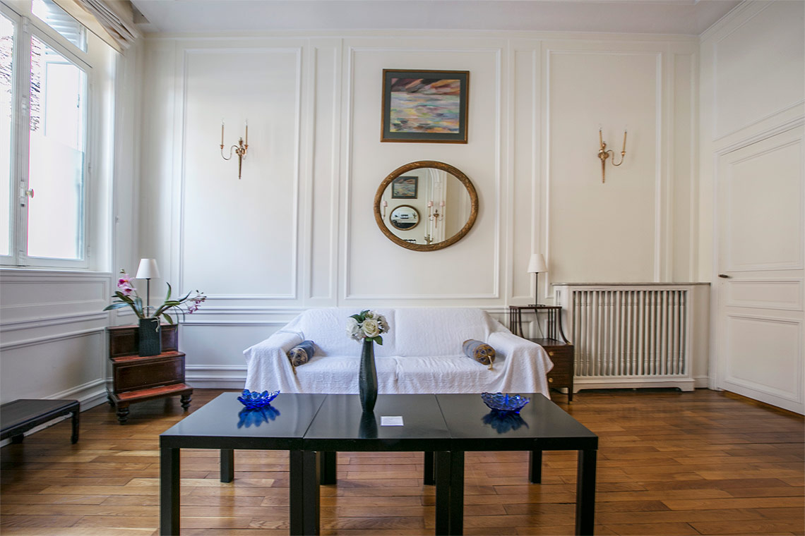 Apartment Paris Avenue George V 2