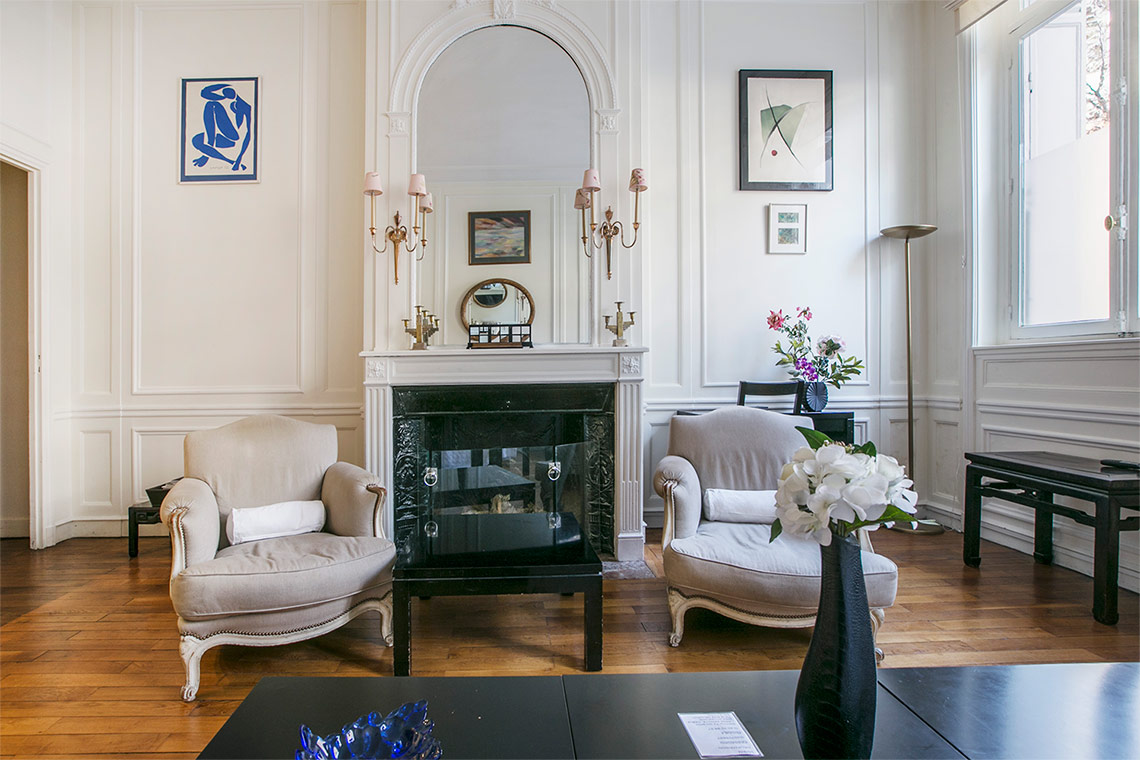 Apartment Paris Avenue George V 3