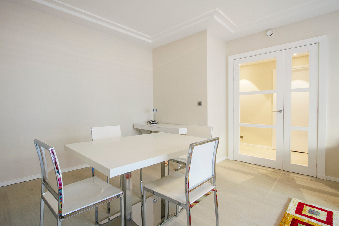 Apartment Paris Rue Vaneau 3