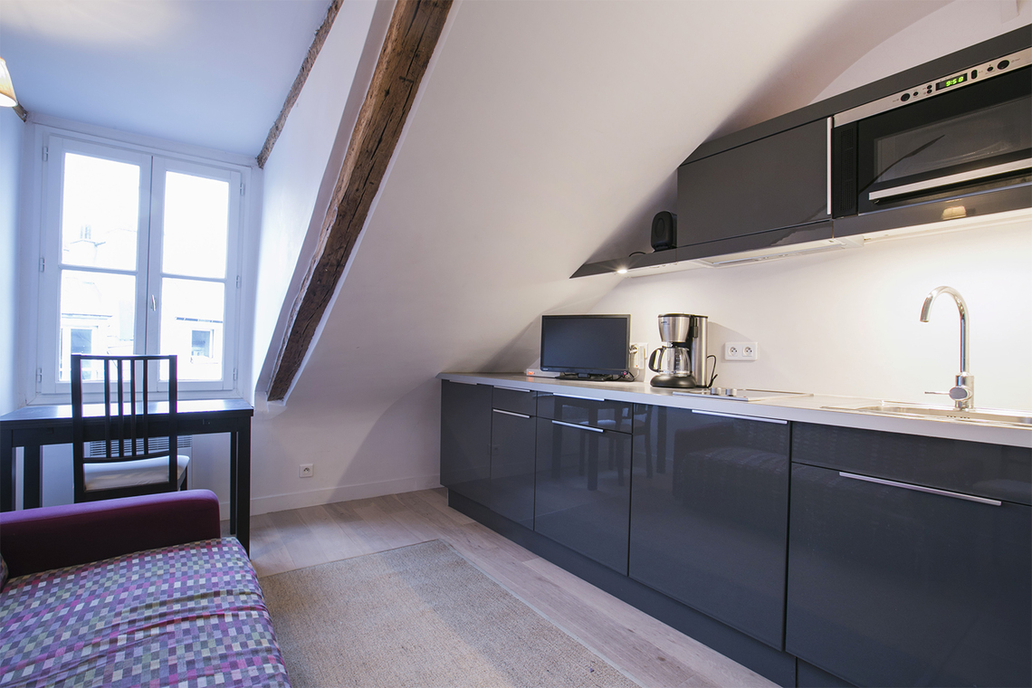 Apartment Paris Rue Dauphine 4