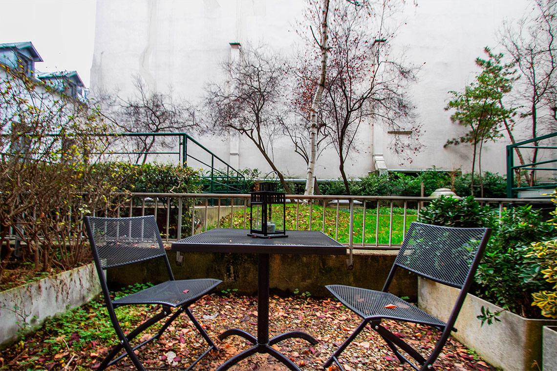 Studio for rent rue de l 39 abb gr goire paris ref 11857 for Appartement terrasse paris 14