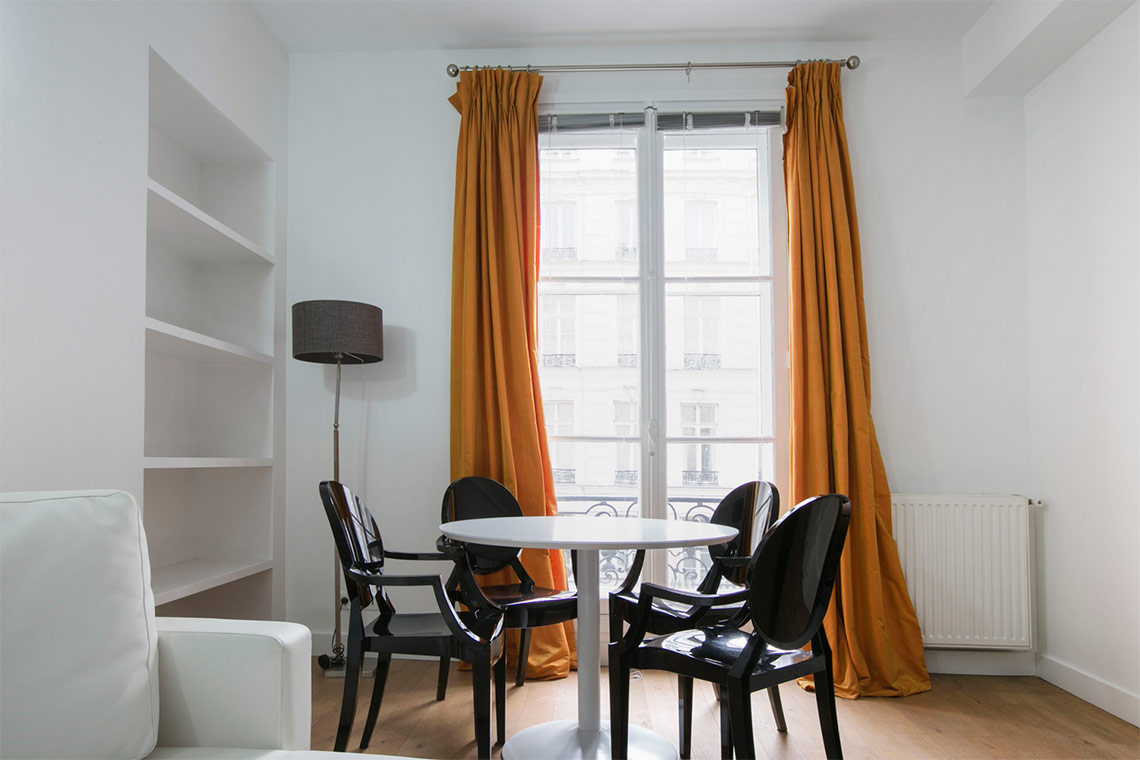 Apartment Paris Rue de Lille 4