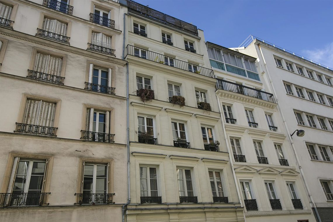 Apartment Paris Rue de Navarin 19