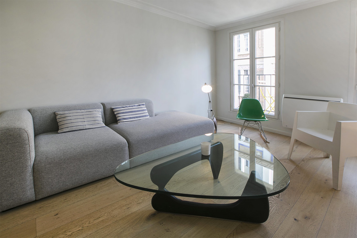 Apartment Paris Rue de Navarin 3
