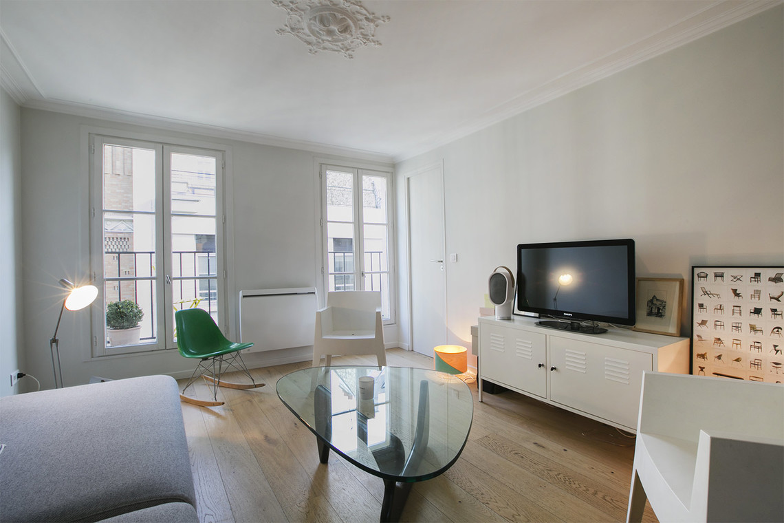 Apartment Paris Rue de Navarin 4
