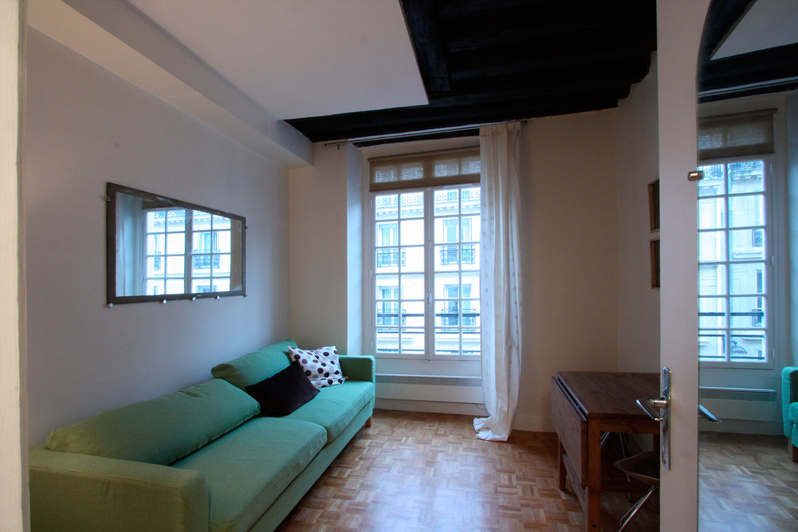 Furnished apartment for rent Paris Rue de Turenne