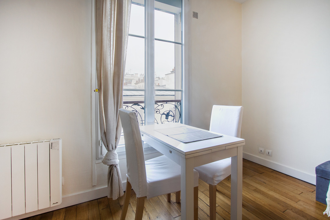 Apartment Paris Rue Popincourt 4