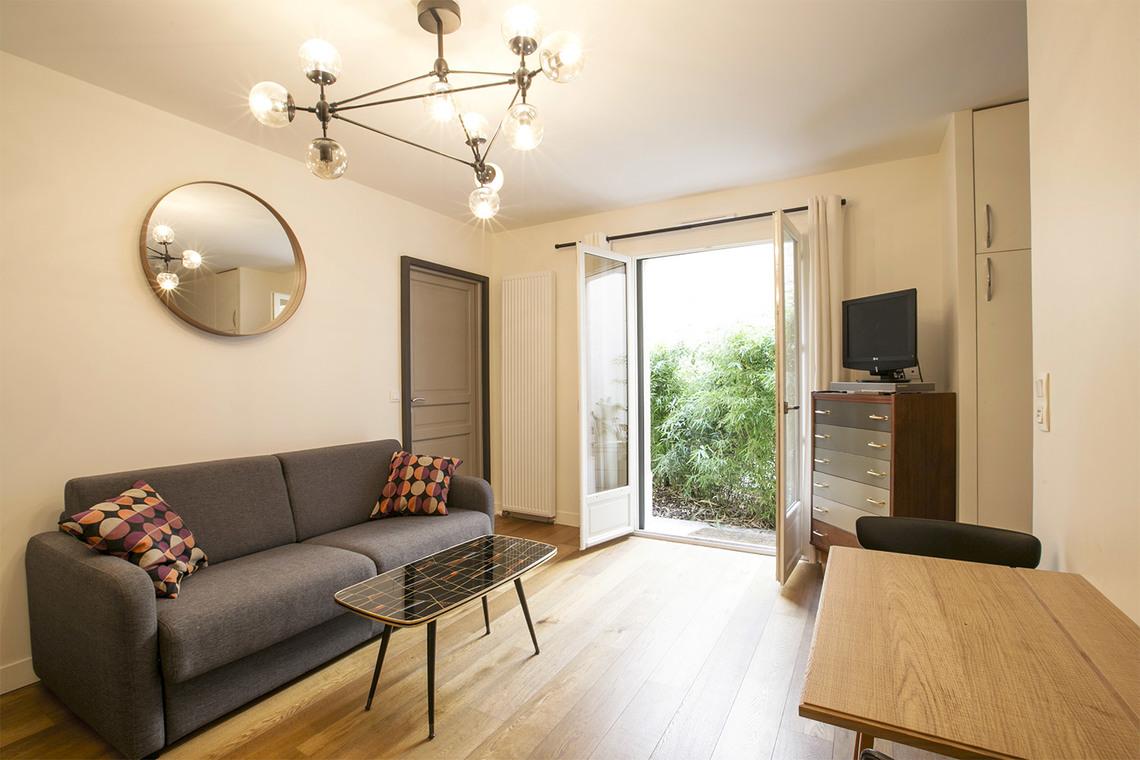 Location appartement meubl impasse truillot paris ref for Jardin truillot