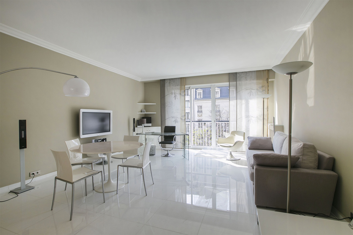 Furnished apartment for rent Paris Avenue George V
