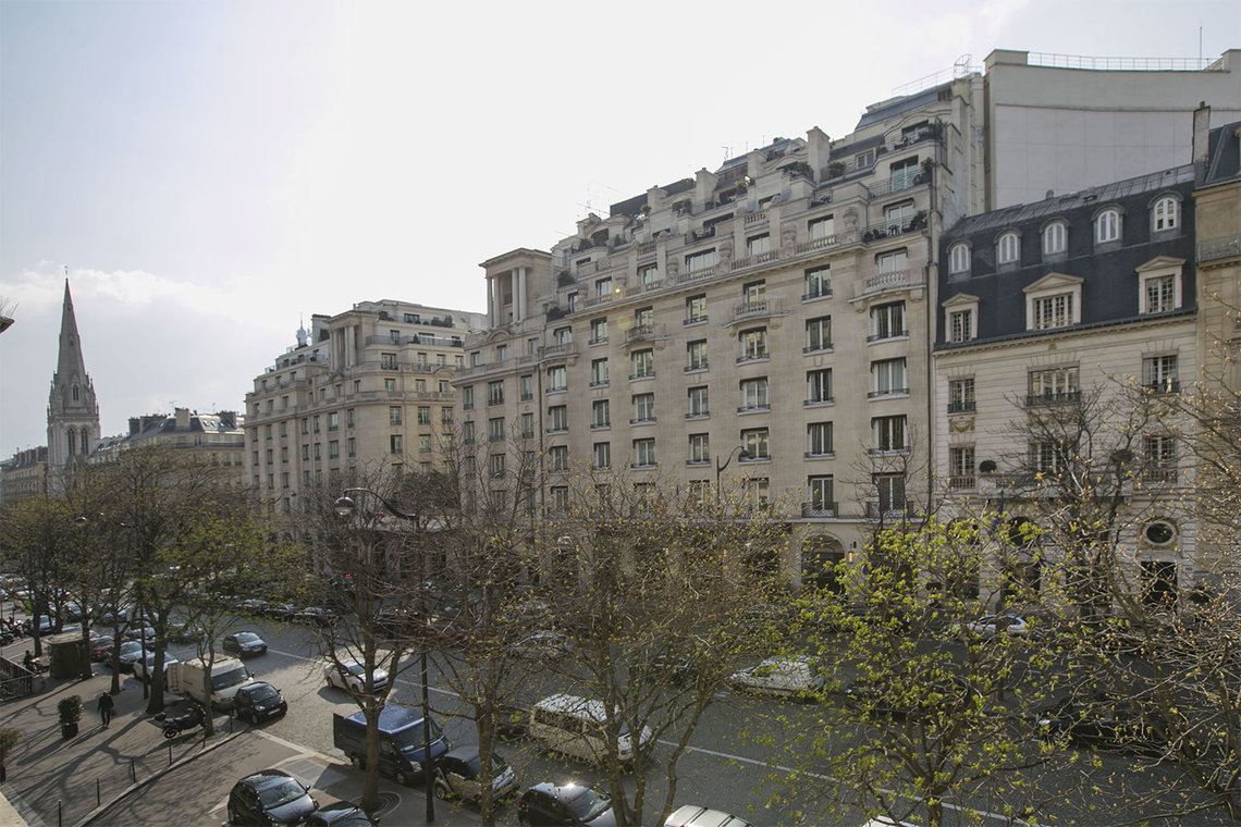 Apartment Paris Avenue George V 14
