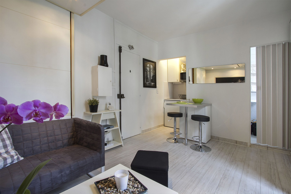 Paris Avenue Gambetta Apartment for rent