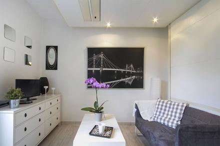 appartement meubl 20 me arrondissement de paris 75020. Black Bedroom Furniture Sets. Home Design Ideas