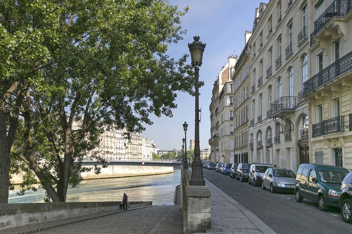 Apartment Paris Quai d'Orléans 24