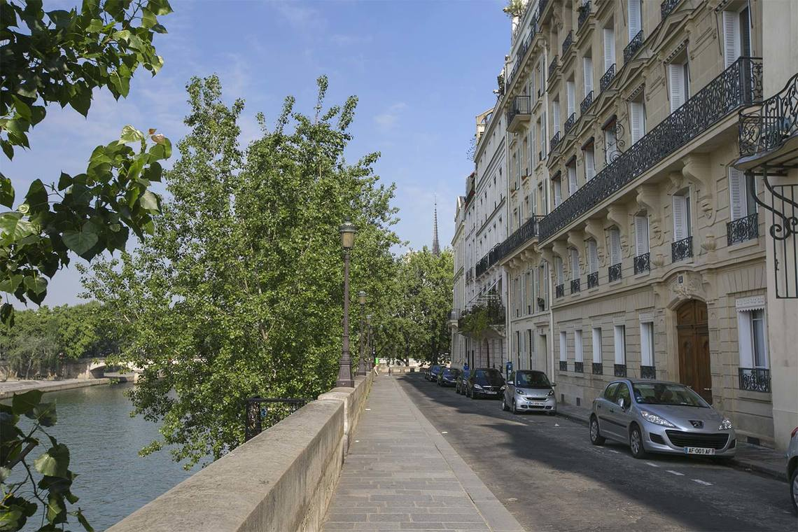 Apartment Paris Quai d'Orléans 25