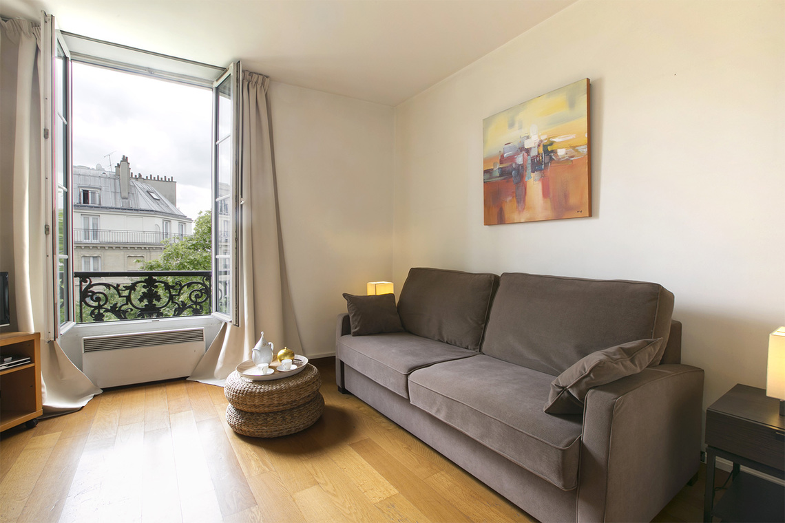 Furnished apartment for rent Paris Rue du Bourg Tibourg