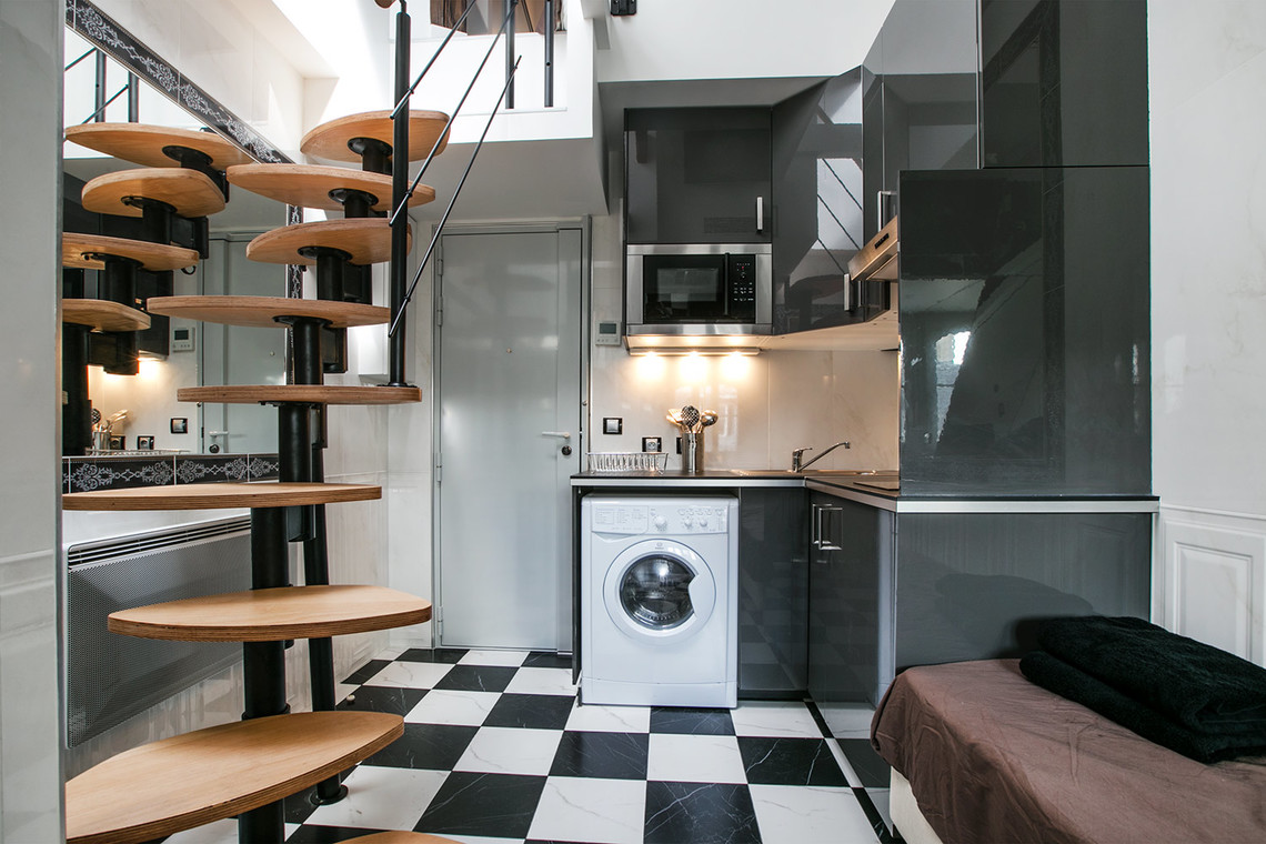 Apartment Paris Rue François 1er 3