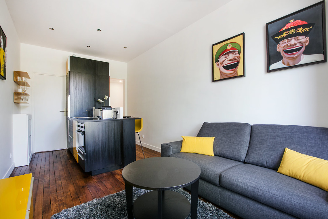 Location appartement meubl rue gros paris ref 12437 for Salon cuisine paris