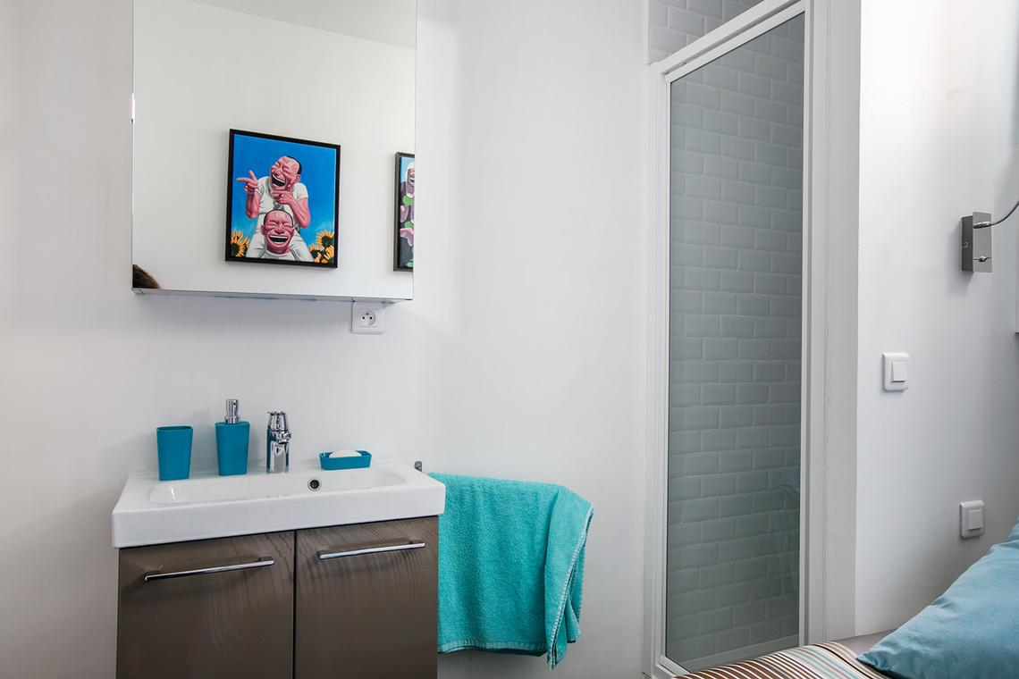 location appartement meubl rue gros paris ref 12437. Black Bedroom Furniture Sets. Home Design Ideas