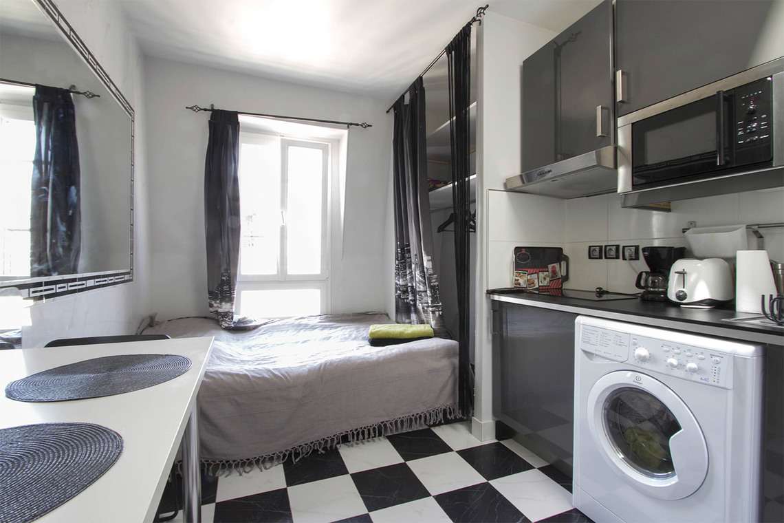 Location studio meubl rue mignard paris ref 12445 for Location studio meuble paris