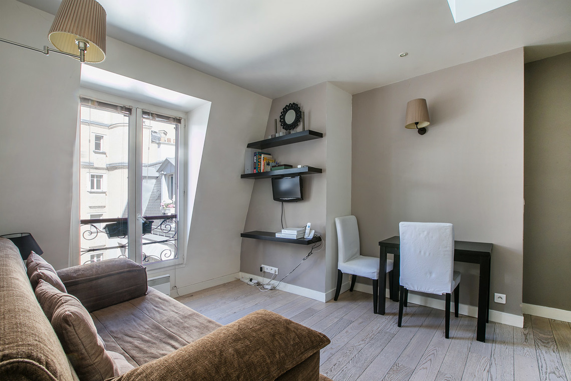Furnished apartment for rent Paris Rue Nicolo