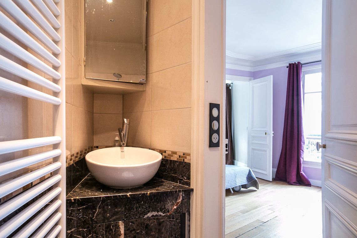 Apartment Paris Rue Jean Mermoz 15