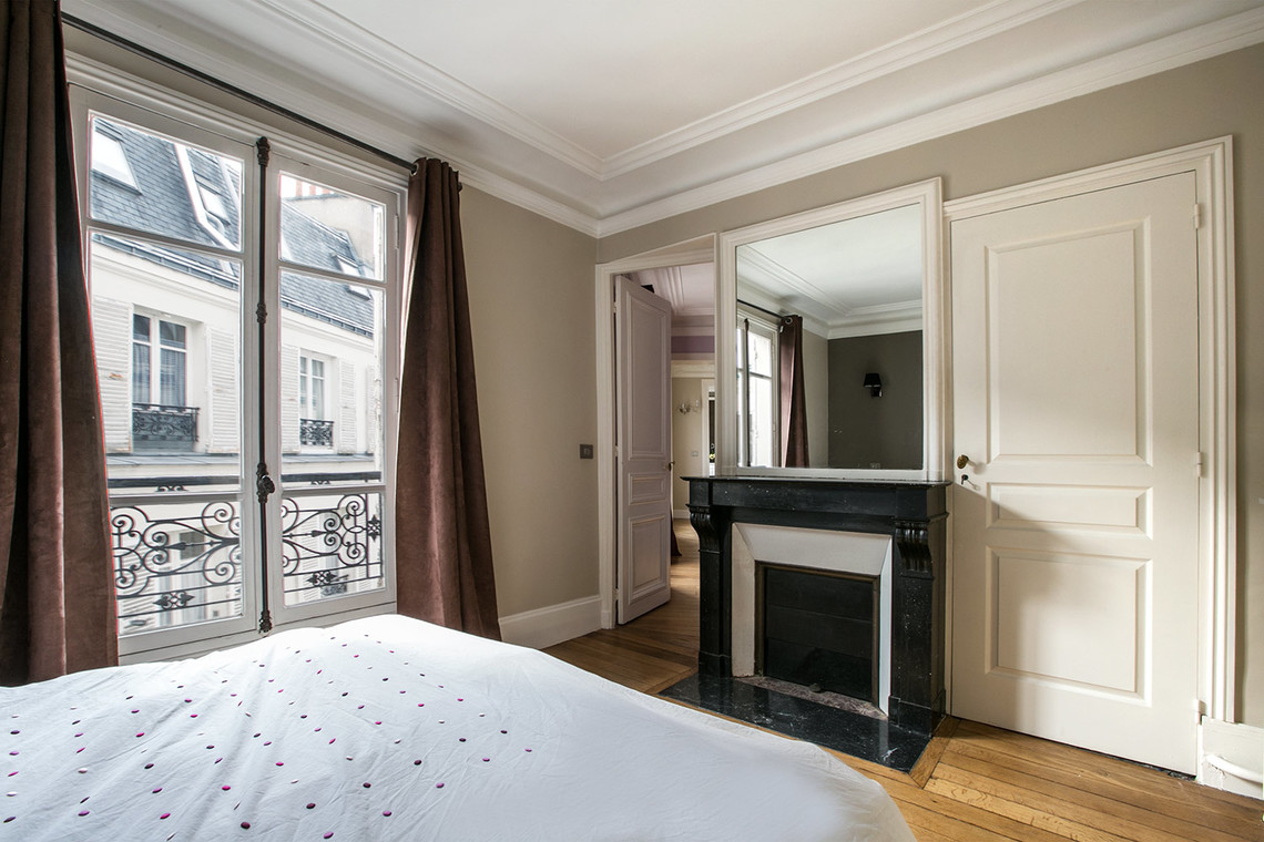 Apartment Paris Rue Jean Mermoz 11