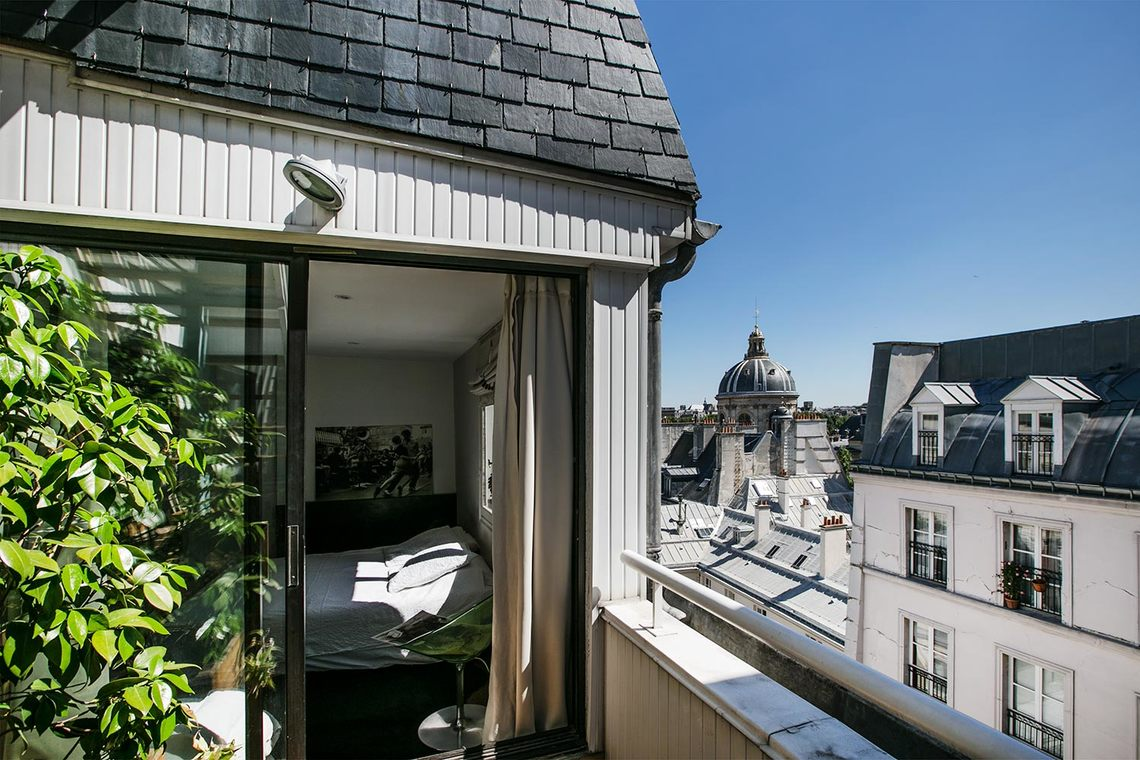 apartment for rent rue des beaux arts paris ref 12543. Black Bedroom Furniture Sets. Home Design Ideas