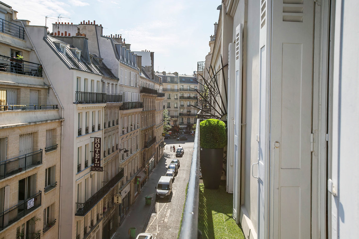 Apartment Paris Rue Troyon 21