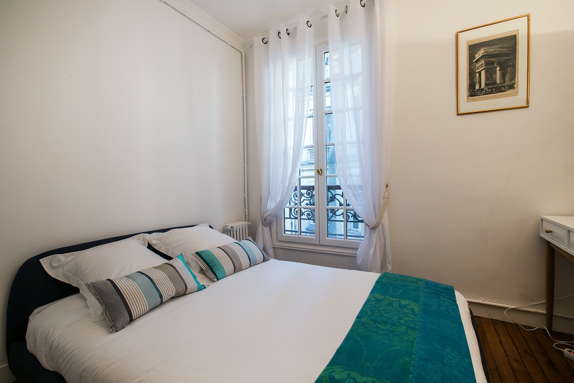 Apartment Paris Rue Troyon 15