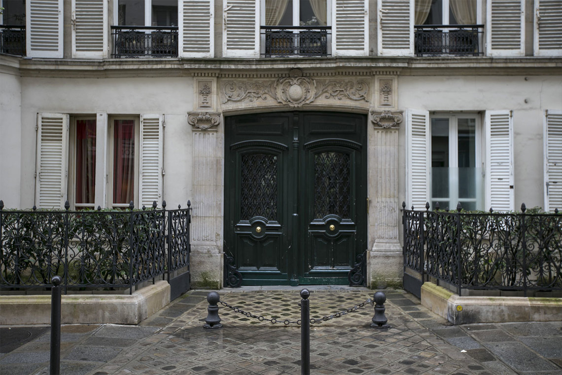 Apartment Paris Rue de Verneuil 19