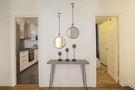 location appartement meubl rue de rennes paris ref 12740. Black Bedroom Furniture Sets. Home Design Ideas