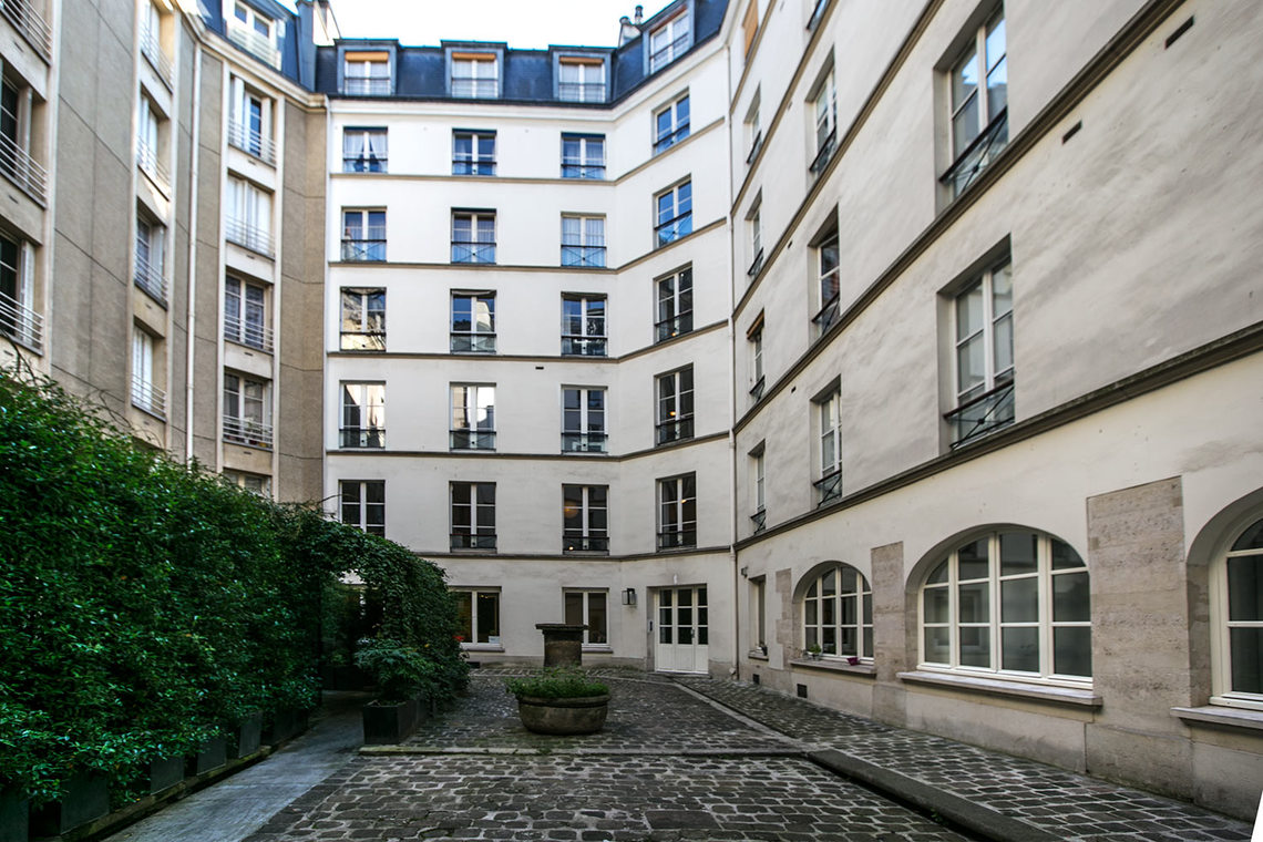 Appartement Paris Rue Corneille 16