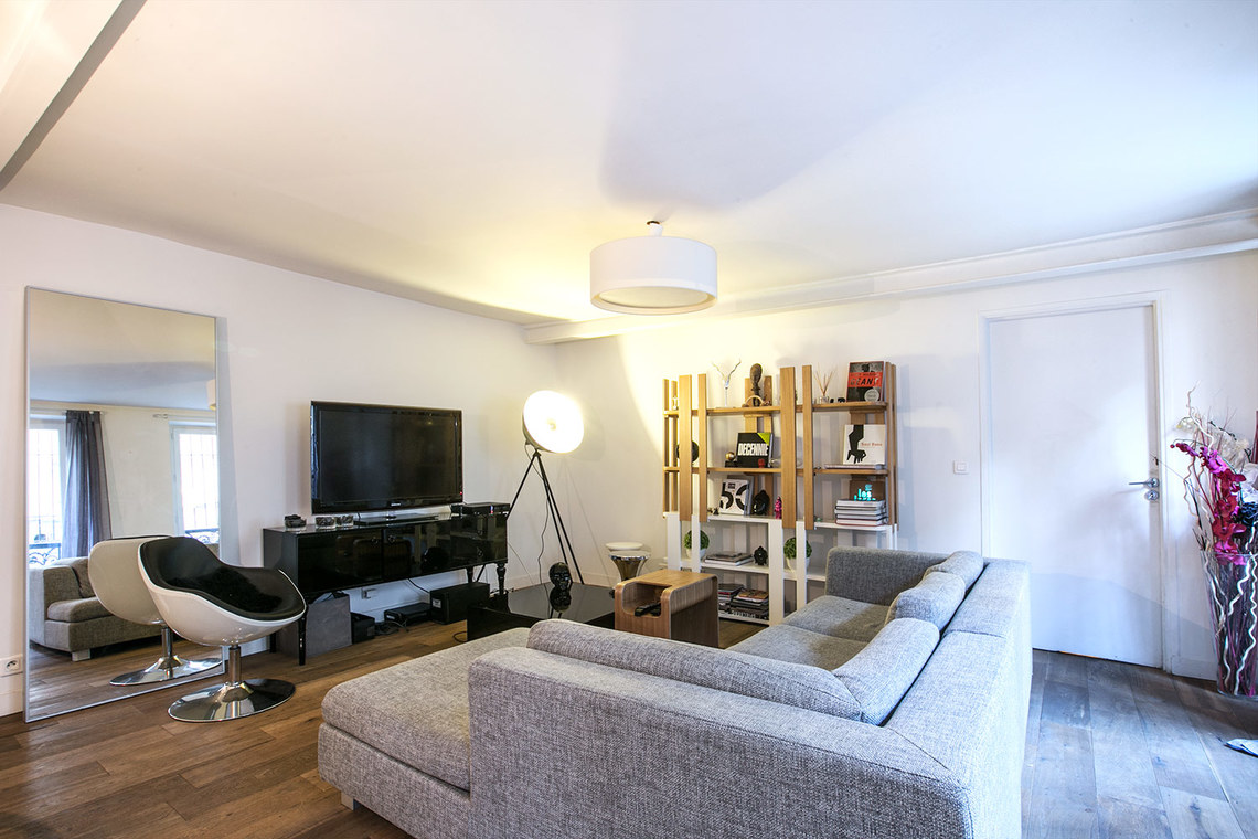 Apartment Paris Rue du Faubourg Saint Martin 2