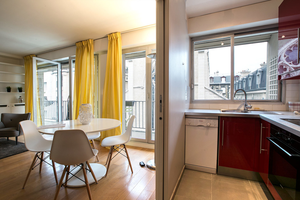 Location appartement meubl rue cortambert paris ref 12815 for Salon cuisine paris